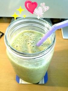 น้ำผลไม้ผสมผักปั่น Green Smoothie อร่อย